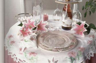 Wedding Lilies Table Setting